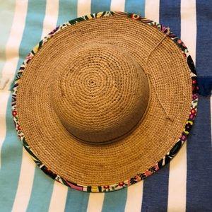 Vera Bradley sun hat. Nearly New! Hardly worn.